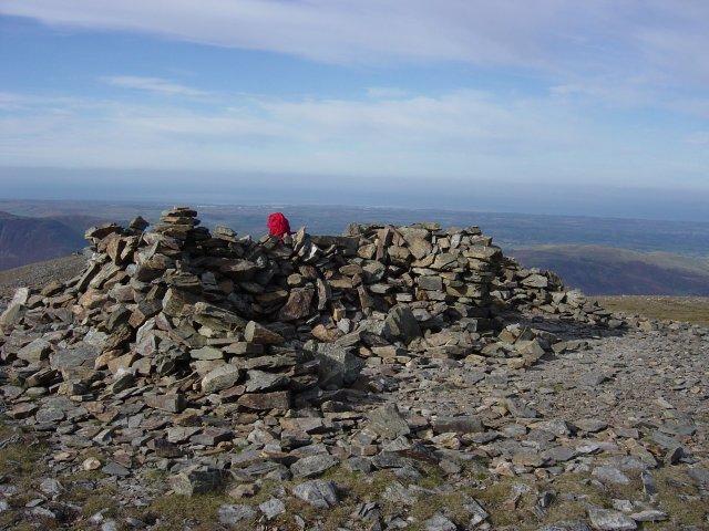Shelter on Grasmoor summit.