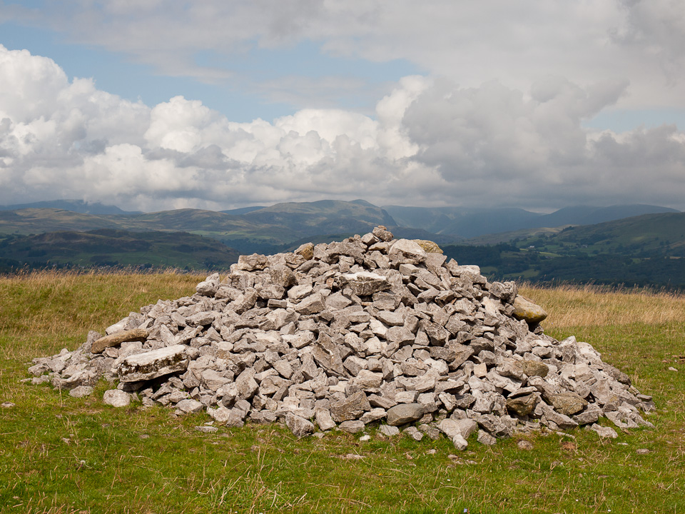 The cairn on Cunswick Scar, looking to Kentmere